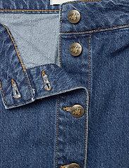By Malina - Celie skirt - jeansowe spódnice - washed blue - 4