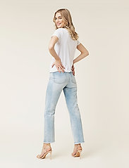 By Malina - Alexa jeans - straight regular - light blue wash - 3