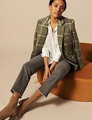 By Malina - Alexa jeans - straight regular - washed grey - 4