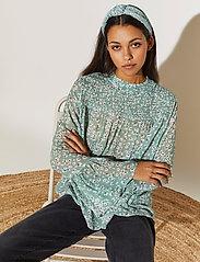 By Malina - Donna blouse - långärmade blusar - garden flower - 4