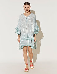 By Malina - Kyla dress - festklänningar - iconic print sage - 0