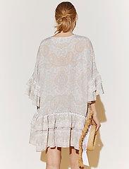 By Malina - Kyla dress - festklänningar - pastel paisley - 3