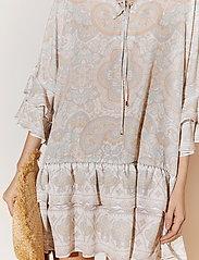 By Malina - Kyla dress - festklänningar - pastel paisley - 4
