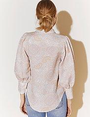 By Malina - Eliza shirt - långärmade skjortor - pastel paisley - 3