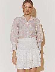 By Malina - Eliza shirt - långärmade skjortor - pastel paisley - 4