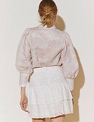 By Malina - Eliza shirt - långärmade skjortor - pastel paisley - 5