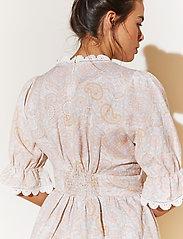 By Malina - Leonie dress - sommarklänningar - pastel paisley - 5