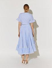 By Malina - Frances top - kortärmade blusar - blue checker - 3