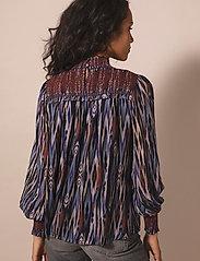 By Malina - Shirley blouse - långärmade blusar - ikat - 3