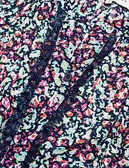 By Malina - Ivey blouse - långärmade blusar - wild blossom - 6