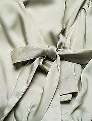 By Malina - Hope blouse - långärmade blusar - sage - 5