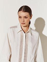 By Malina - Skylar shirt - långärmade blusar - white - 3