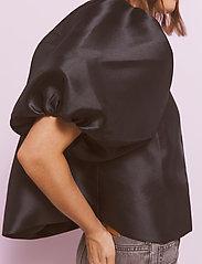 By Malina - Cleo blouse - kortärmade blusar - black - 4