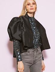 By Malina - Cleo blouse - kortärmade blusar - black - 5