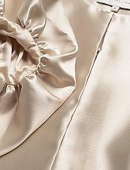 By Malina - Cleo blouse - kortärmade blusar - soft beige - 5
