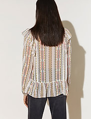 By Malina - Jade blouse - långärmade blusar - inca soft beige - 3