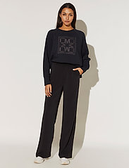 By Malina - Iconic cropped sweatshirt - sweatshirts & hoodies - black - 3