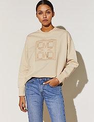 By Malina - Iconic sweatshirt - sweatshirts & hoodies - soft beige - 0