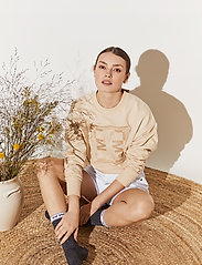 By Malina - Iconic sweatshirt - sweatshirts & hoodies - soft beige - 6