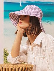 By Malina - Violet sun hat - bucket hats - iconic print light lavender - 3