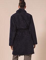 By Malina - Adrielle faux fur coat - faux fur - indigo blue - 3