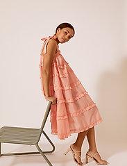 By Malina - Blanca dress - midi jurken - peach blush - 3