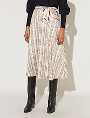 By Malina - Carmen skirt - midi kjolar - inca soft beige - 0