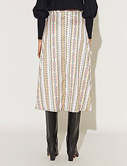 By Malina - Carmen skirt - midi kjolar - inca soft beige - 3