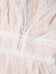 By Malina - Juliet gown - trouwjurken - champagne - 6