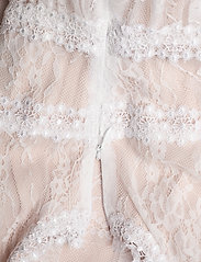 By Malina - Juliet gown - trouwjurken - champagne - 7