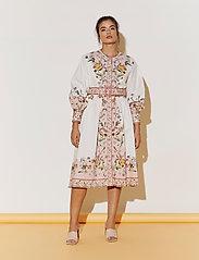By Malina - Caily dress - midiklänningar - french rose pale pink - 5