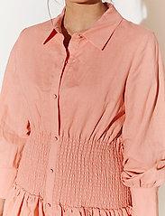 By Malina - Coralie dress - sommarklänningar - melon crush - 3