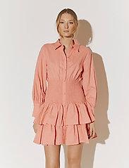 By Malina - Coralie dress - sommarklänningar - melon crush - 5