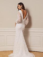 By Malina - Giselle gown - spetsklänningar - ivory - 3