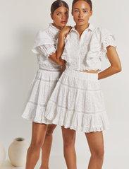 By Malina - Iro mini lace dress - sommerkjoler - white - 3