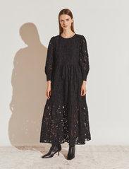 By Malina - Birdie dress - kveldskjoler - black - 0