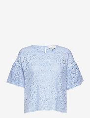 By Malina - Callie blouse - kortärmade blusar - sky blue - 1