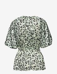 By Malina - Mina blouse - kortärmade blusar - leo aqua - 1