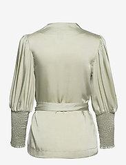 By Malina - Hope blouse - långärmade blusar - sage - 2