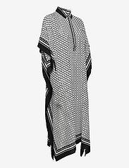 By Malina - Mollie kaftan - strandkläder - iconic print black - 3