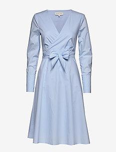 Nicolene dress - skjortekjoler - sky blue