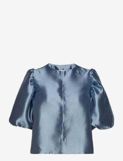 Cleo blouse - kortärmade blusar - liberty blue