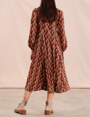 by Ti Mo - Bohemian Tassels Dress - sommerkjoler - wallpaper - 3