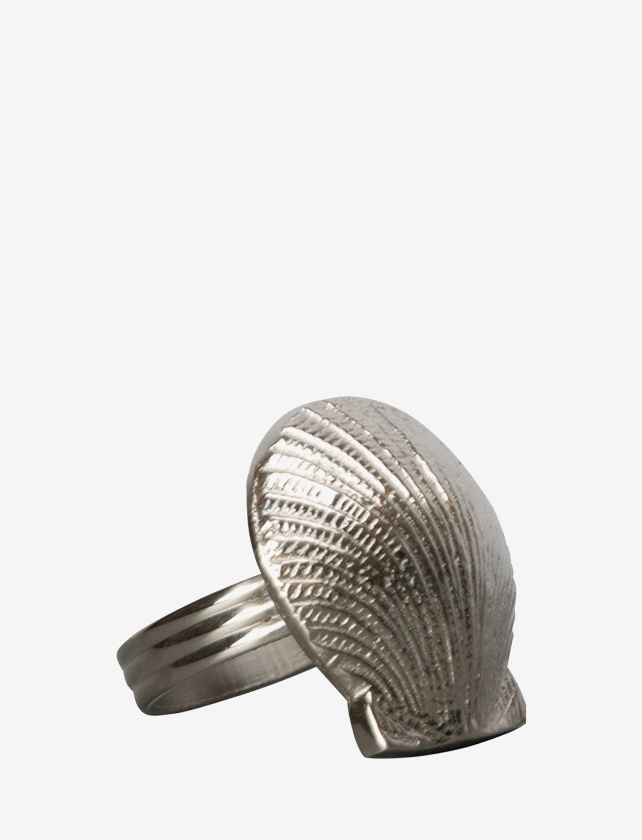 ByOn - Napkin ring Shell - serviettringer & serviettholdere - silver - 0