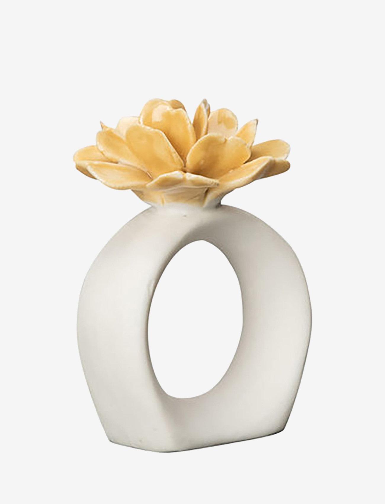 ByOn - Napkin ring Water Lily - serviettringer & serviettholdere - white/mustard - 0