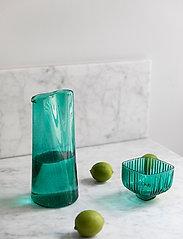 ByOn - Carafe Aqua - vesikannut ja -karahvit - green - 0