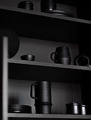 ByOn - Jug Blackrrot - vesikannut ja -karahvit - raw black - 1