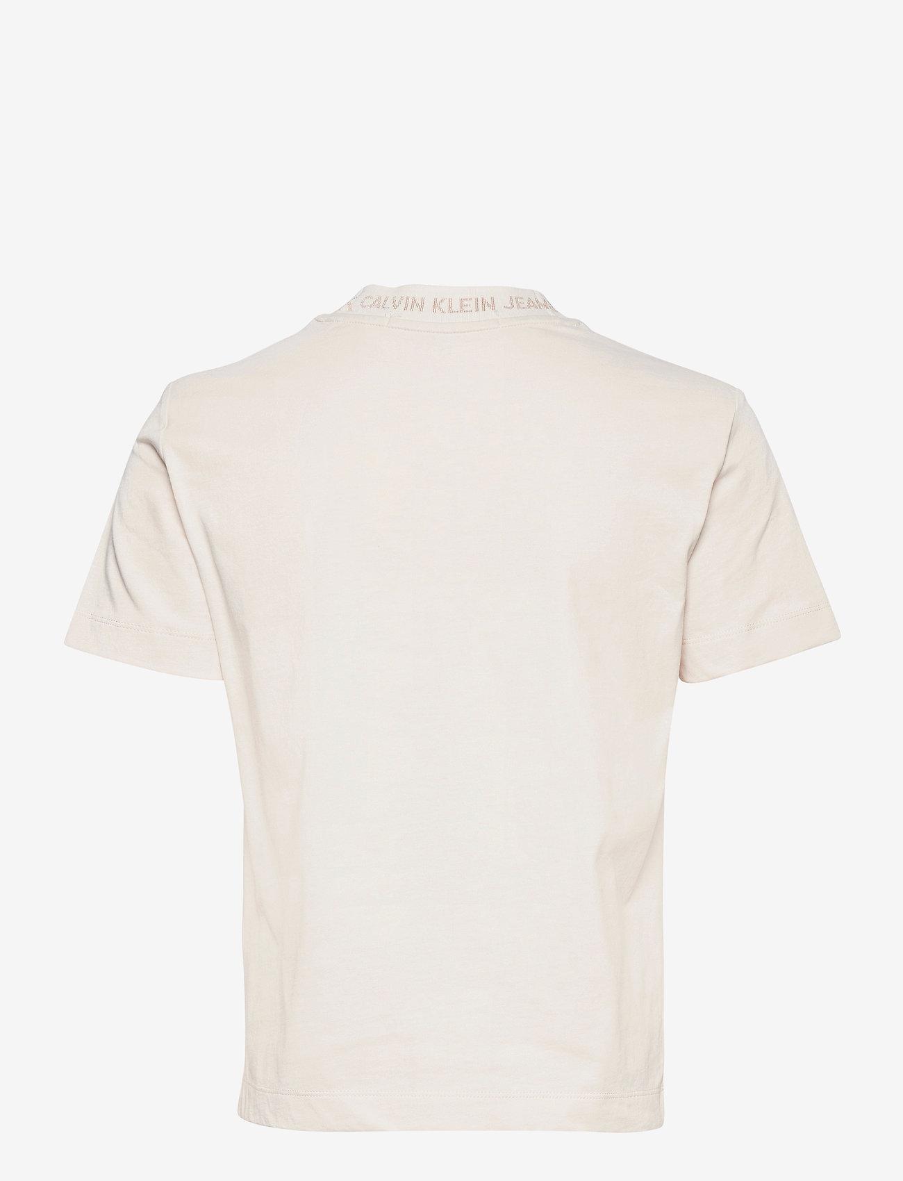 Calvin Klein Jeans - LOGO INTARSIA TEE - t-shirts - white sand - 1