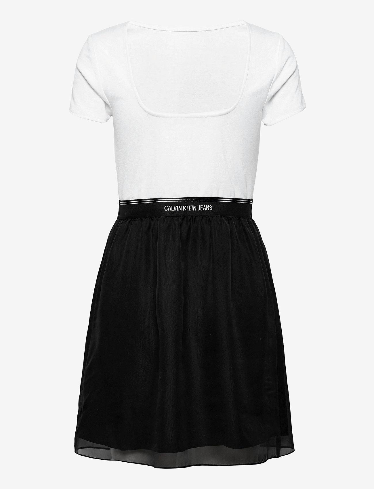Calvin Klein Jeans - LOGO WAISTBAND DRESS - hverdagskjoler - bright white - 1