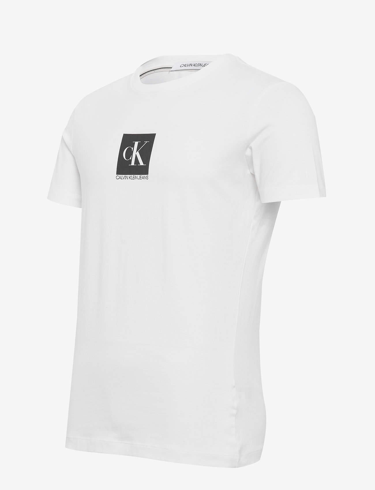 Center Monogram Box Slim Tee (Bright White) (280 kr) - Calvin Klein Jeans